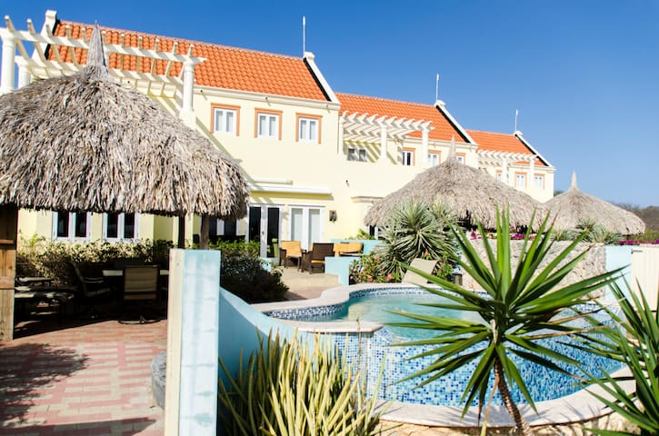 Ocean Front Luxury Kalki Villa - Curaçao, Netherlands Antilles