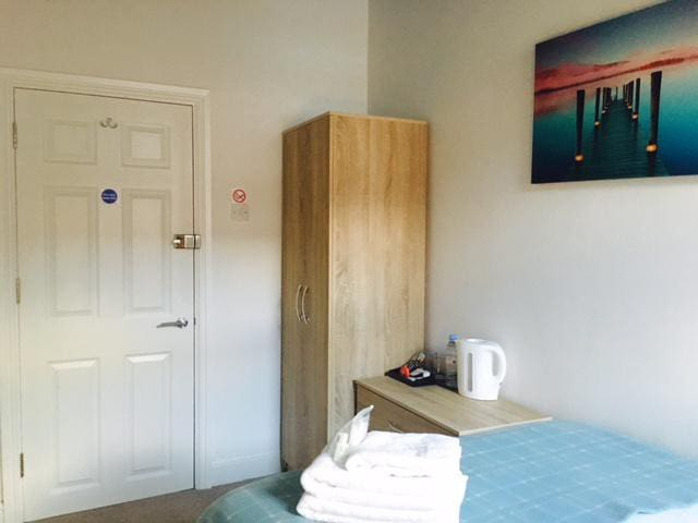 Townhouse @ Balliol Street - Single Ensuite 1