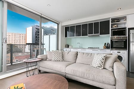 1 BR home in heart of South Yarra