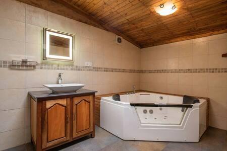 Corona Safe:   Eco cottage