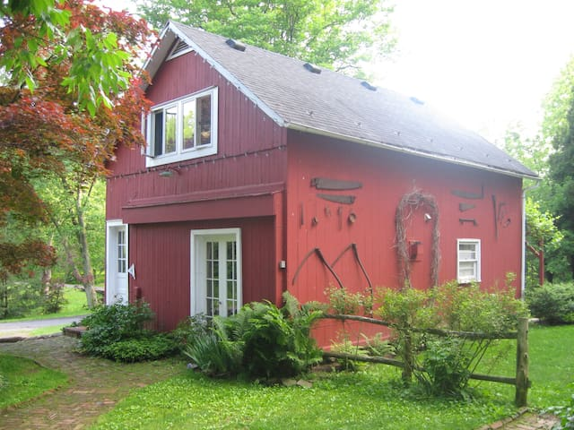 The Carriage House at Walnut Pond - Frenchtown - Huis