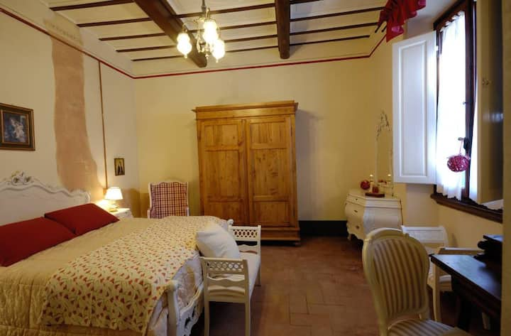 B&B Cimamori  in the hearth of Tuscany - Red Room