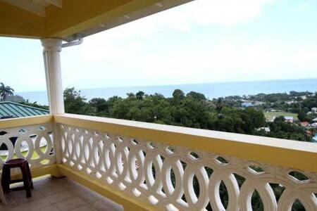 lovely Furnish 3 bd/2 bth sea view - Choc - Casa