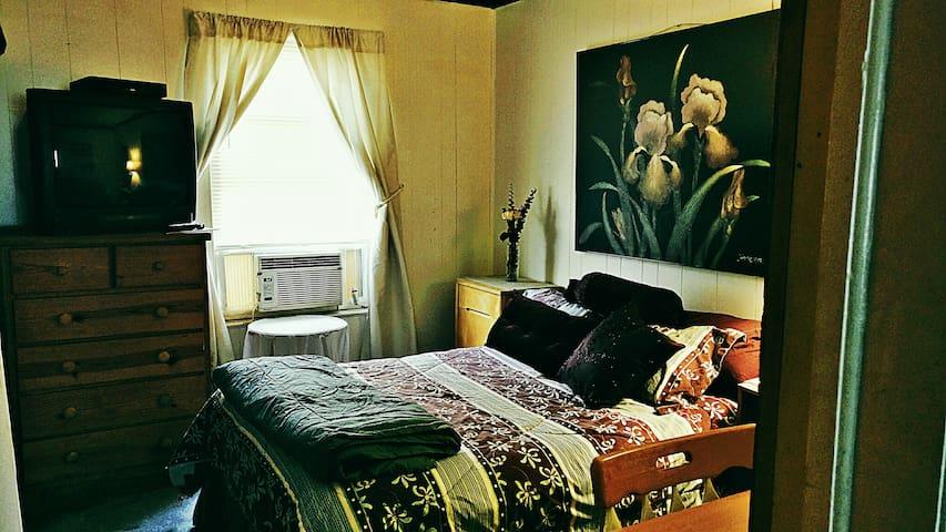 Air Conditioner- TV- Desk Space.