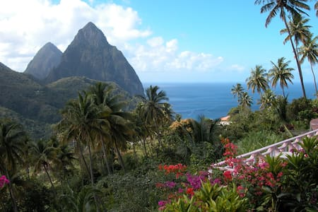 La Haut Resort -Superior Deluxe Rm#3 - Cocoa House - Soufriere - Guesthouse