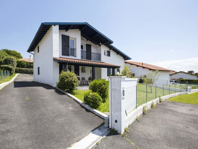 Nice house close to the beaches - Welkeys