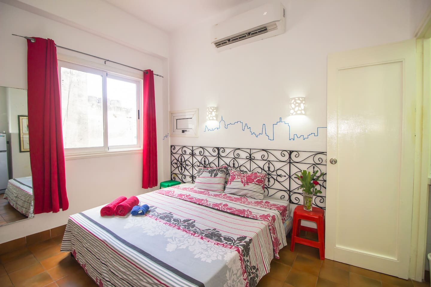 Bright, nice and comfortable entire Studio-apartment at Havana's downtown