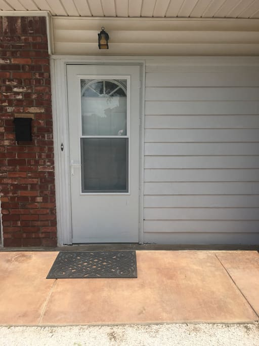 Private Separate Entrance For Guest!