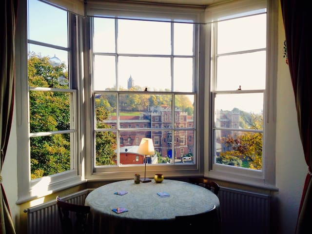 Spectacular views in bright airy victorian home - University of bristol swimming pool ...