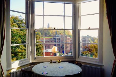 Bright with Views - Bristol