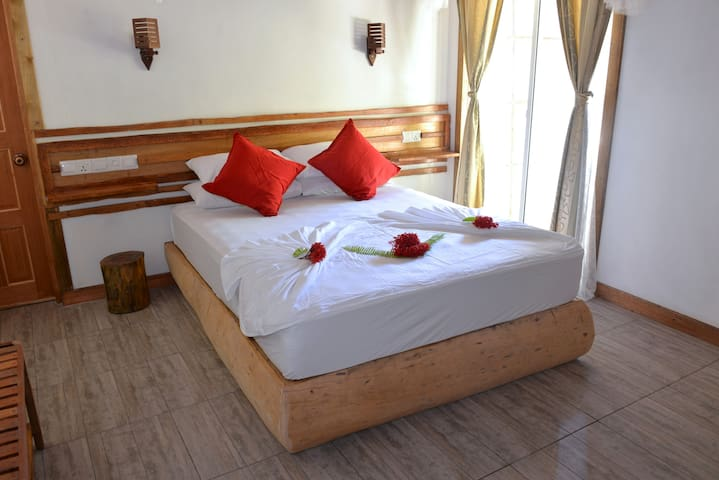BAANI Halaveli (Rm 6 of 6) full board, excursions