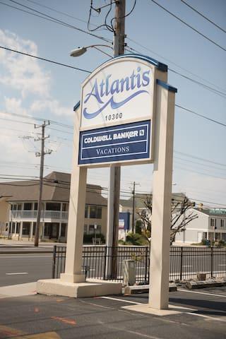 The Atlantis Entrance