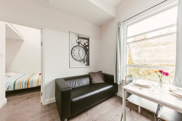 Beautiful one bedroom flat in Notting Hill