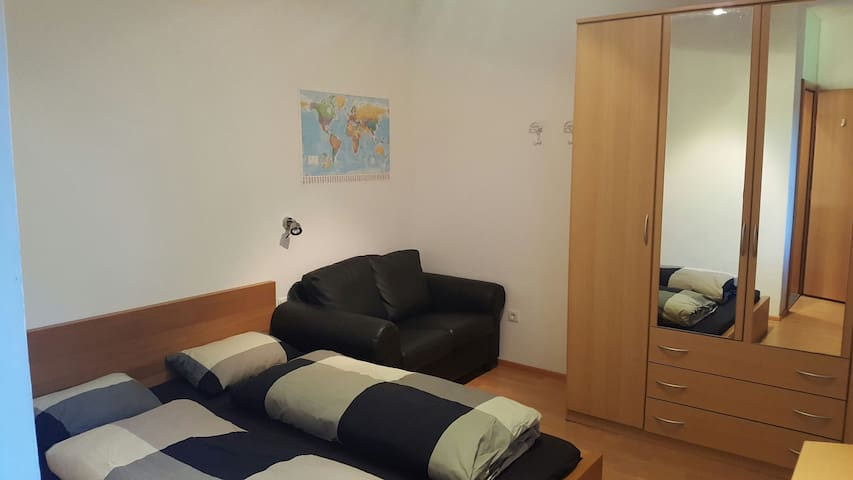 Nice flat with free parking - Feldthurns - Huoneisto