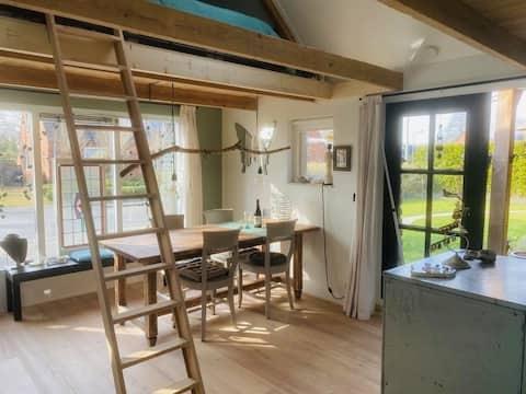 Slapen in het Atelier & genieten van eigen Veranda