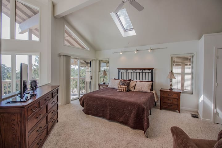 Master Suite with private deck and King sized bed. Spectacular views without lifting your head off the pillow!