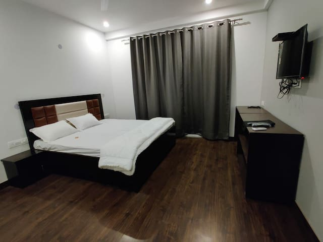 Cosy, Indep, private room for short stay, metro