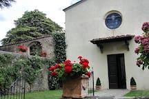 The entrance of Montegonzi church