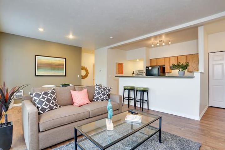 Clean apt just for you | 2BR in Liberty Lake