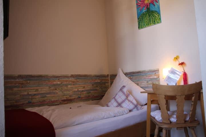 Gasthaus zum Schwanen, (Oberkirch-Nußbach), Einzelzimmer mit Dusche und WC