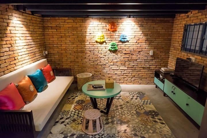 Vietnam1989 ★ Mai-Sky's cozy home