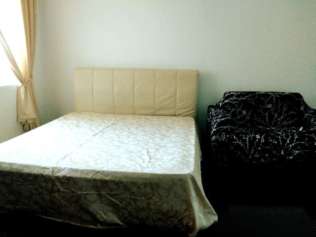 Private Studio Room @ Olives Subang Jaya