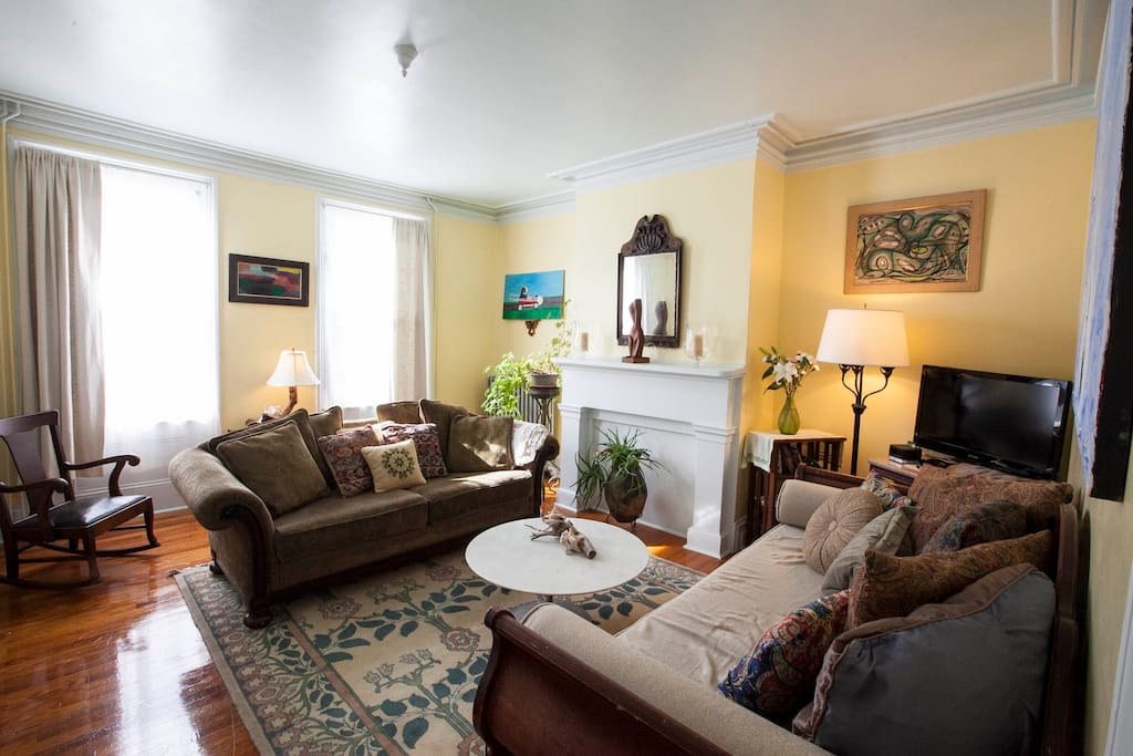 Gracious 3 Br Garden Apt In Town Apartments For Rent In