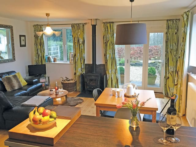 Contemporary cottage, Luxurious Wye Valley escape