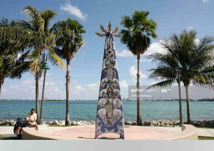 Gorgeous Condo at Miami Downtown.