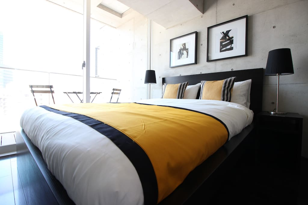 Gorgeous Double sized bed !