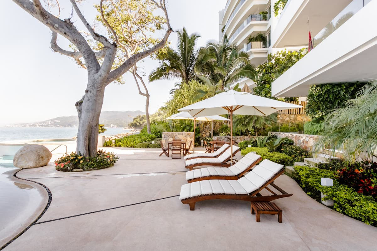 Exceptional Oceanfront Condo by a Private Beach