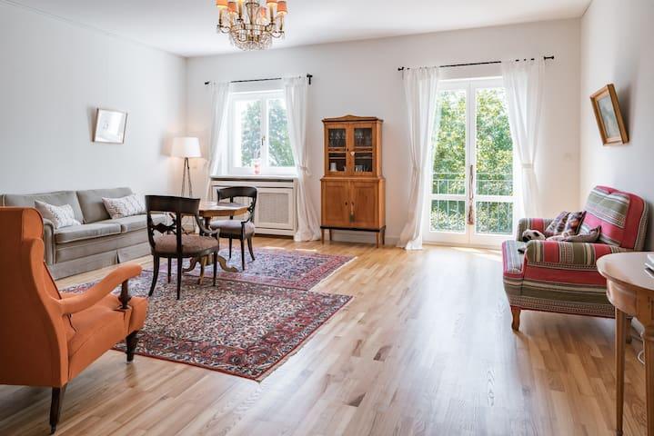 4-room-apt in historical villa