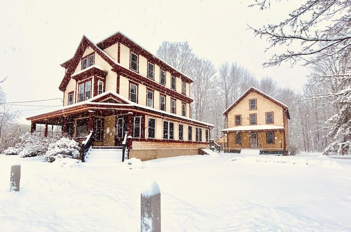 Historic Charm/Near Attitash-Ski/Great for Groups