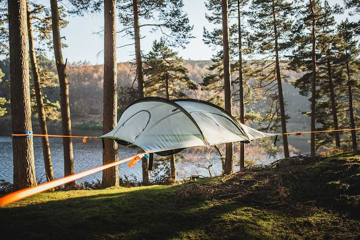 Trädtält med strand och möjlighet till kanot