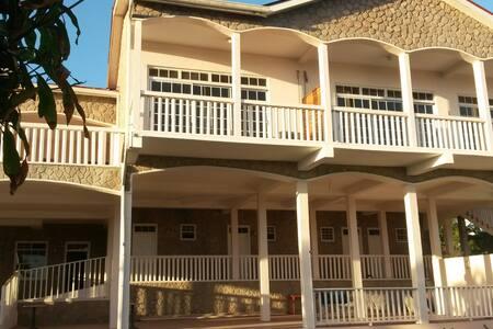 L'Escape Restaurant & Guesthouse - Castries