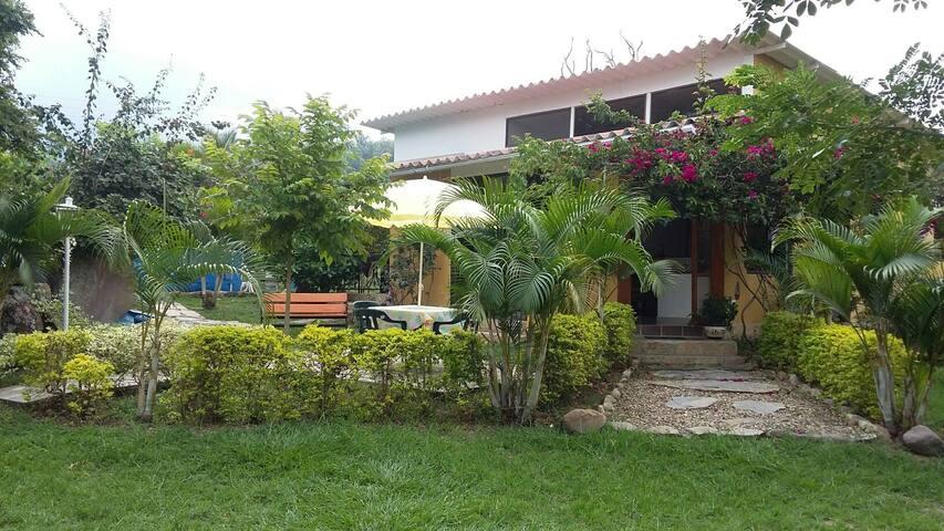 Casa Quinta Maná es un lugar,Caído del Cielo.