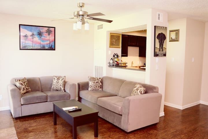 The Guest House - DFW Airport - Irving - Appartement