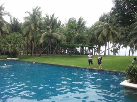 三亚海棠湾.离海边5分钟西班牙风格别墅、私家泳池!