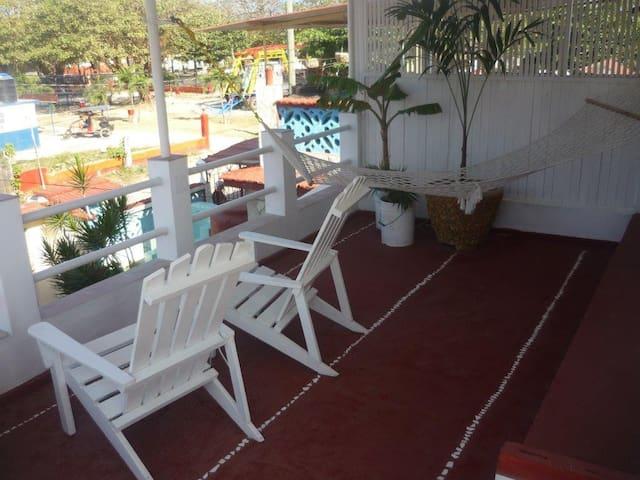 Casa Yamilé, a 100 metros de la playa. WIFI