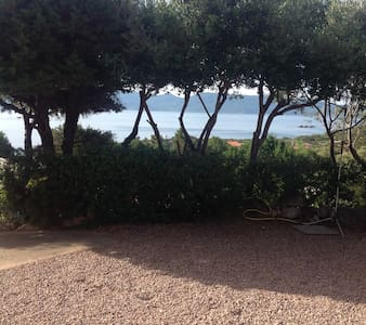 Appartement bas de villa face à la mer - Serra-di-Ferro