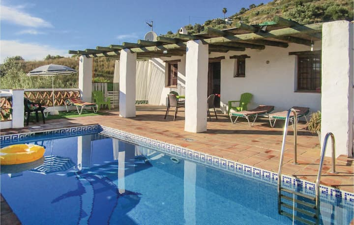 Nice home in Frigiliana with WiFi, 2 Bedrooms and Outdoor swimming pool