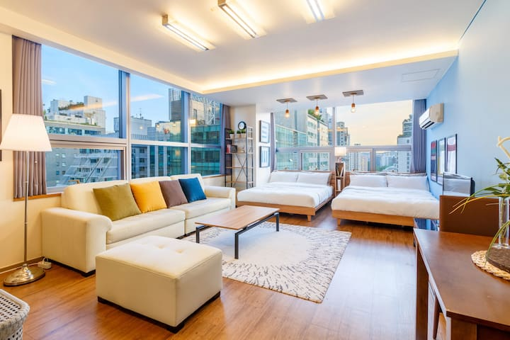 3. Large room for group next to Gangnam Station