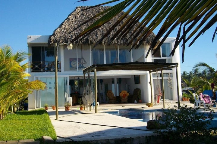 Hawii Monterrico on the beach,house