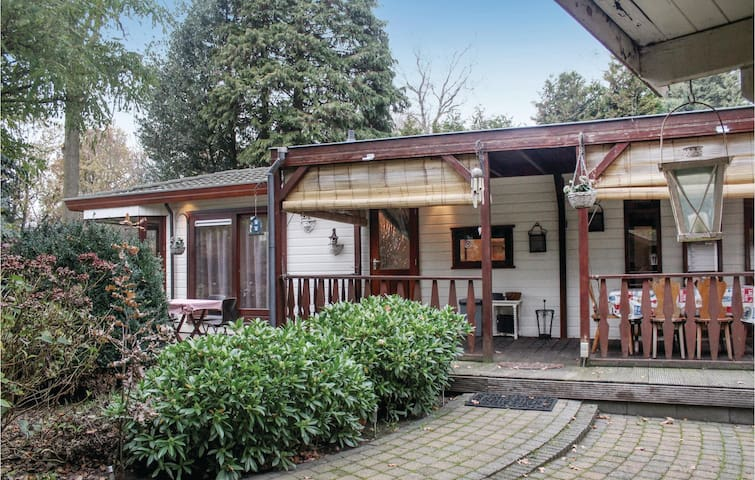 Holiday cottage with 2 bedrooms on 51m² in Voorthuizen