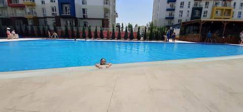 شقة مع حمام سباحة في تبليسي