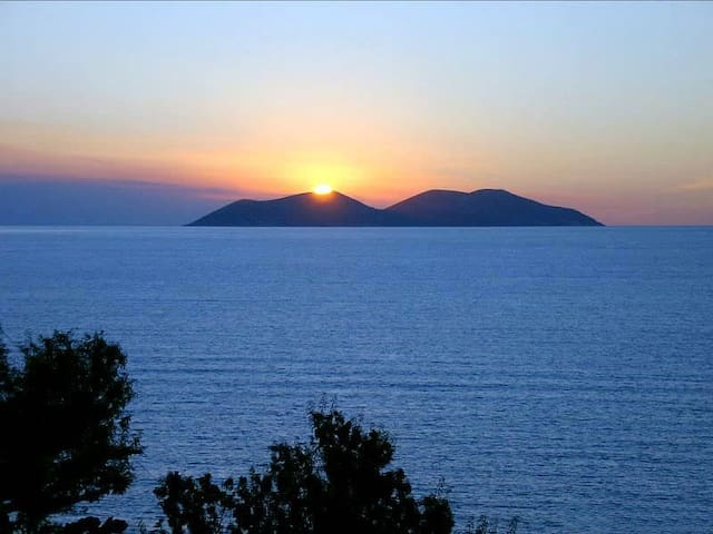Amazing panoramic sea views! Enjoy sunrise&sunset!