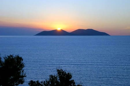 Amazing panoramic sea views! Enjoy sunrise&sunset!