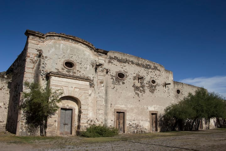 Hacienda corcovada, casa caporales