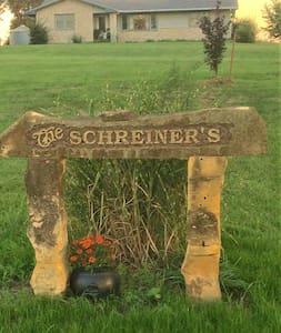 Schreiner's Country Living Western room