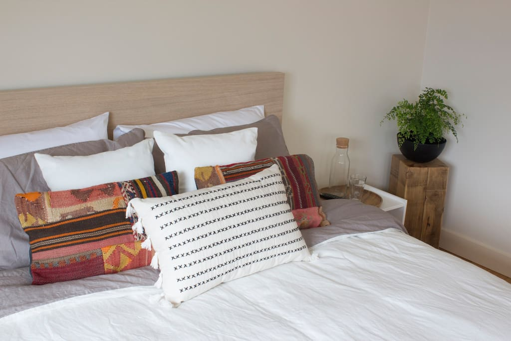 Turkish cushions with quality linen.